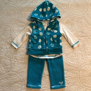 Roxy 6-9M set. EUC!!!